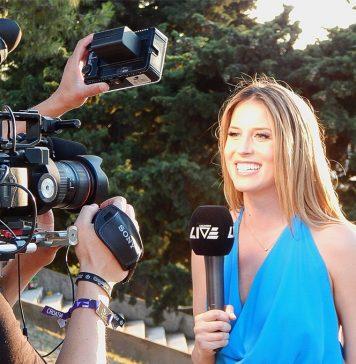 l'IA joue le rôle du journaliste